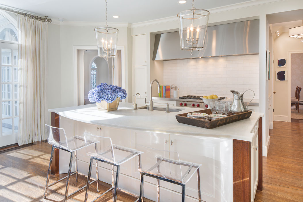 Bedford - Carriage House - interior design project of Susan Carlson Interiors